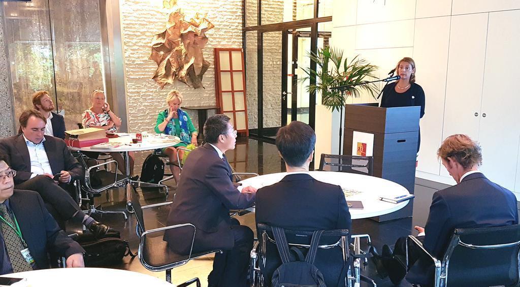 Delegatie uit Hong Kong laat zich informeren over Greenport