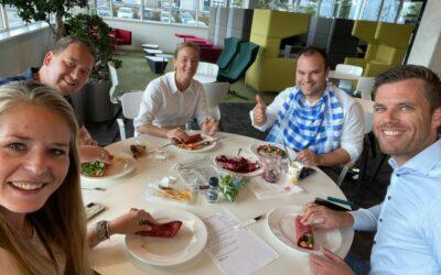 Enthousiaste deelnemers aan de Gezondste Lunch